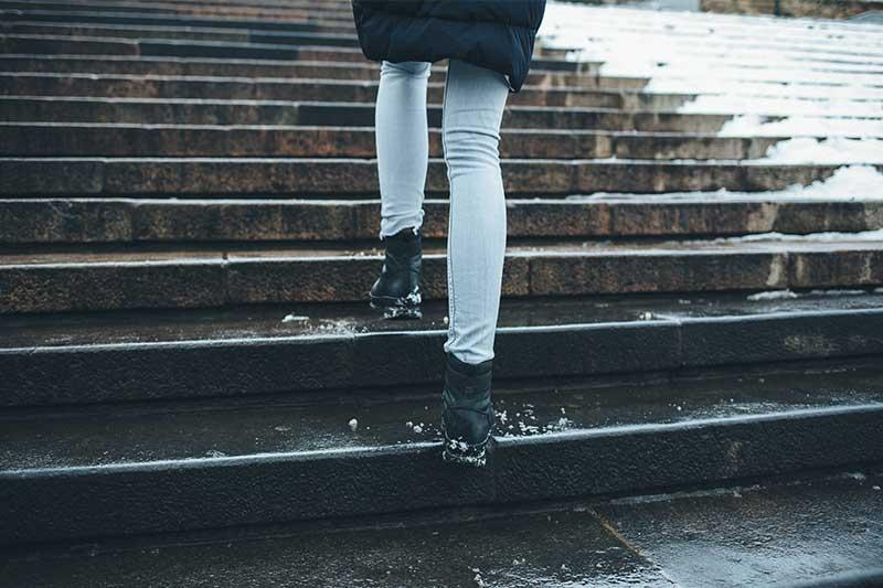 Aussentreppen im Winter mit Freiflächenheizung